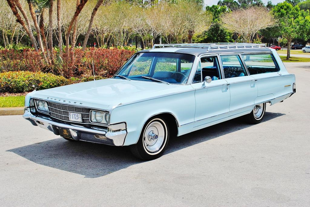 1965 Chrysler New Yorker Wagon