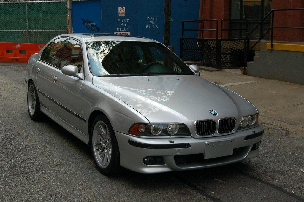 BaT Exclusive: Clean 66k-Mile 2001 BMW M5