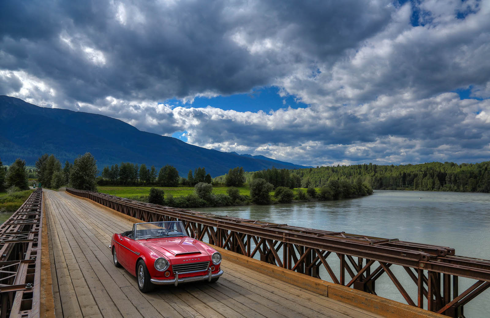 Owner Tours USA on His Datsun Roadster Road Trip | Petrolicious